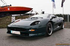 Jaguar XJ220 Jaguar Xj220, Daimler Ag, Engineering Technology, Trains, Mercedes Benz, Cars, Awesome, Sweet, Candy