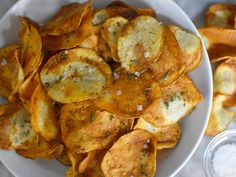 Crispy, crunchy, and addictive, air fryer potato chips have 60 percent less fat than their store-bought counterparts. Yes, making potato . Air Fryer Potato Chips, Air Fryer Recipes Potatoes, Air Fryer Dinner Recipes, Churros, All You Need Is, Good Sweet Potato Recipe, Patatas Chips, Homemade Chips, Air Frier Recipes