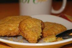 I biscotti senza burro sono un dolce light, facile da preparare e da consumare a colazione o a merenda. Tante le varianti: senza uova, senza latte, senza lievito e senza zucchero.