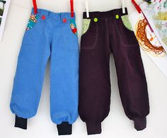 To bukser i babycord - Sykroken - de syglades interaktive sykafe