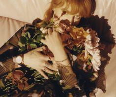Lors d'une conférence de presse à Los Angeles le 12 Février dernier, Gucci a annoncé son partenariat avec Florence Welch, la musicienne britannique et chanteuse du groupe Florence + The Machine, qui devient la nouvelle ambassadrice de ses collections de montres et de bijoux. Florence Welch, qui assistera aux Grammy Awards, a été interviewée en …