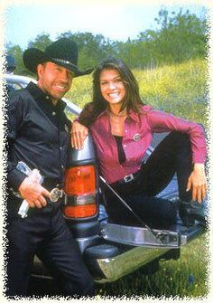 Walker (Chuck Norris) and Sydney (Nia Peeples) Bruce Lee Chuck Norris, Walker Texas Rangers, Tv Westerns, Dwayne Johnson, Old Tv, Classic Tv, Action Movies, Movies Showing, Super Powers