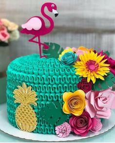 More decorating ideas on albums: Flamingo Party 1 Flamingo Party 3 Flamingo Party, Flamingo Cake, Flamingo Birthday, Hawaiian Birthday, Luau Birthday, 1st Birthday Parties, Birthday Nails, Party Decoration, Luau Party