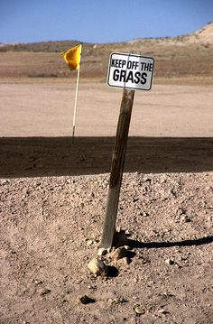Sign at golf course, Coober Pedy, South Australia, Oh and put the rake back when your done. Australia Funny, South Australia, Australia Travel, Australian Memes, Aussie Memes, Brisbane, Melbourne, Sydney, Coober Pedy Australia