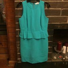 Loft size 6P dress In great shape! Back zip. Slit on back. Great for work. Machine wash cold. LOFT Dresses Midi