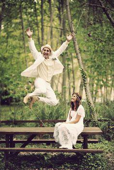 Disfruta el momento, expresa tu felicidad. (not into marriage, but what a wonderful expression of love.).