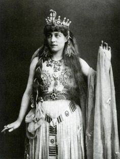 Lillie Langtry, Photography by W. & D. Downey, 1891