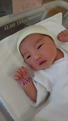 Half Asian Babies, Cute Asian Babies, Korean Babies, Asian Kids, Cute Babies, Dad Baby, Cute Baby Boy, Cute Little Baby, Little Babies