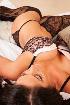 Boudoir Photo Shoot. Houston, TX photog. Shout out to my hometown!