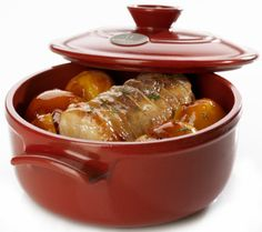 Enter to win a Round Dutch Oven from Emile Henry and AllFreeCasseroleRecipes! Ends 9-28-2014 over at allfreecasserolerecipes.com for those of you that want to go to their site to enter.  I hope I win, but if I don't I hope one of my Pinterest friends do.
