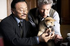 Hachiko: A Dog's Story - Hachiko, Parker Wilson (Richard Gere) e Ken (Cary-Hiroyuki Tagawa) Richard Gere, Japanese Akita, Japanese Film, Sad Movies, Great Movies, Hachi A Dogs Tale, Cary Hiroyuki Tagawa, A Dog's Tale, The Fault In Our Stars