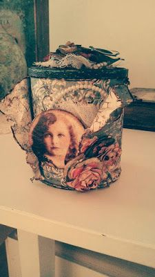 something to create: Scrapbooking σε τενεκεδάκι Tissue Holders, Facial Tissue, Decoupage, Scrapbooking, Create, Painting, Art, Art Background, Painting Art