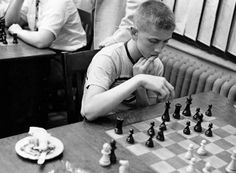 Bobby Fischer plays Samuel Reshevsky, New York, 1957.