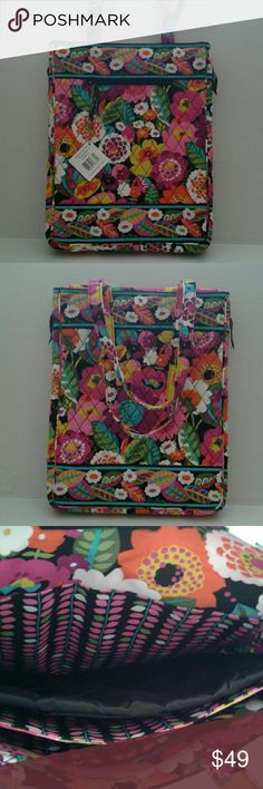 VERA BRADLEY LAPTOP TRAVEL TOTE,  Laptop bags Measures:  14 X 11 inches Compartments:  3 full size splits for laptop,  books, etc...  Protective inside pading and one pocket on the outside  11 inch strap drop  Fully quilted bag Vera Bradley Bags Laptop Bags