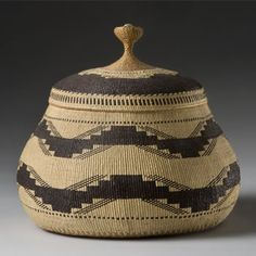 Elizabeth Hickox (Karuk/Wiyot, northwest California), Lidded Basket, plant fibers, c. 1913.