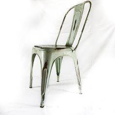 Vinterior is the online marketplace where the world buys and sells remarkable vintage and antique furniture across every lifestyle, budget and taste. Farmhouse Style Table, French Farmhouse, Retro Furniture, Antique Furniture, Cafe Style, Industrial Chic, Mid Century Furniture, Dining Chairs, Egg