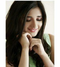 Insta Image, Punjabi Models, Punjabi Actress, Afghan Dresses, Saree Photoshoot, Photography Poses Women, Stylish Girl Images, Cute Girl Pic, Teen Actresses