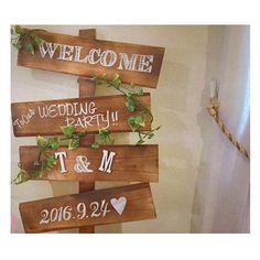 ちょうど1ヶ月前. アニヴェルセル福岡 での友人結婚式💒  そのとき飾ってくれてた こちらの可愛いサイン...🌿🌿 実は!実は! 我が家で一緒に 作りました😎💓 (仕上げは彼女の抜群のセンス❤️) * あれは、まさにワークショップ だったな🤔💕これはもう、 プチワークショップを ひらいたことにしよう! (参加者:友達&私の2名!!) *  結婚式という スペシャルで大切な1日の 一部になることができて、 本当にうれしいっ💓 幸せのお手伝いをさせてもらえて、 本当に幸せっ💓  自分のサイン作りの経験が このようなカタチで貢献できて、 光栄です✨  この感覚クセになりそうなので、 身近でご要望があればまた、 ハッピーサイン作り💓 (←勝手に名付けてやる気) プチワークショップをひらこうと 思います!💋💋 #結婚式#披露宴#友人結婚式 #勝手に友人結婚式レポ #花嫁diy#ウェルカムサイン #ウェディングサイン#花嫁#プレ花嫁#卒花 #アニヴェルセル福岡