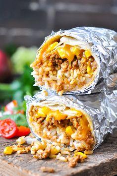 The easiest burrito recipe that's freezer-friendly for quick meal prep! Ground Beef Recipes | Freezer Meals | Dinner Recipes | Dinner Ideas #beef #burritos #freezermeals #mealprep #TheSeasonedMom
