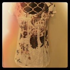 The Buckle daytrip Small semi sheer top that's never been worn from the buckle. In perfect shape. Daytrip Tops Tees - Short Sleeve
