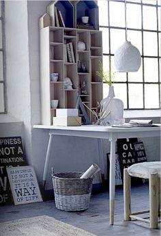 stół Fir w stylu skandynawskim z kolekcji Bloomingville Home Office Space ead338e8406d7