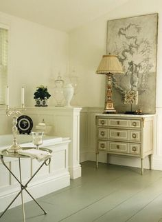 architectural molding...bathrooms large enough to place furniture.......fabulous