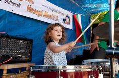 EnglishClub's music man, Jonathan Taylor Brittunculi, organized the first annual Krushevo Music Festival in Bulgaria. Jonathan Taylor, Festivals 2015, Music, Photos, Pictures, Muziek, Musik, Cake Smash Pictures, Songs