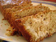 Apple and Maple Bread, Ptitchef Recipe – bambus Apple Bread, Banana Bread, Bread Recipes, Keto Recipes, Maple Syrup Recipes, Oatmeal Cake, Bon Dessert, Sweet Bread, Coffee Cake