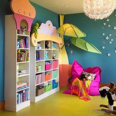 Красивый шкаф для детской