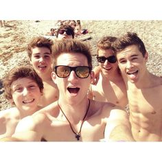 why can't I see these cuties at vidcon :( #o2l
