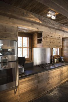 The top 29 of the most beautiful mountain chalet interiors – Architecture Ideas Chalet Modern, Chalet Chic, Chalet Style, Chalet Design, Küchen Design, Chalet Interior, Interior Design, Rustic Kitchen Design, Cabin Kitchens