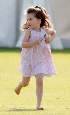 Prince George of Cambridge, Princess Charlotte of Cambridge and Catherine, Duchess of Cambridge attend the Maserati Royal Charity Polo Trophy at the Beaufort Polo Club on June 2018 in Gloucester,. Get premium, high resolution news photos at Getty Images Royal Princess, Prince And Princess, Little Princess, Lady Diana, Prince William Family, Prince William And Catherine, Kate Middleton, Princesa Charlotte, Princesa Diana