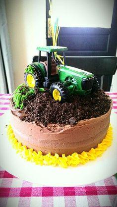 Make for bailey and maci for their bdays :) - Geburtstagskuchen , Tractor Birthday Cakes, Farm Birthday, 2nd Birthday Parties, Tractor Cupcakes, Birthday Ideas, John Deere Party, Gateaux Vegan, Farm Cake, Farm Party