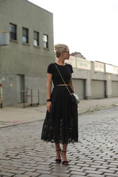 midi skirt + crop top = love.