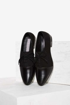 Urge Been Around the Blocked Leather Oxford | Shop Shoes at Nasty Gal!  -  lace up black leather flats.     lj