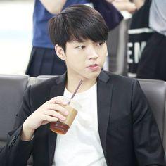"160829 ICN - HND Airport - #Woohyun . Cre: blissinyou_wh . #남우현 #NamWoohyun #INFINITE #인피니트…"""