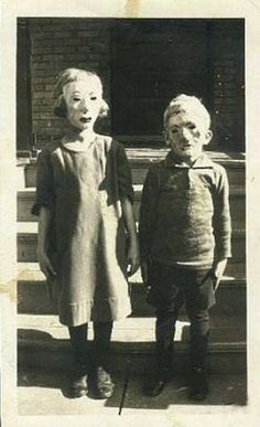 Old school halloween costumes that were truly terrifying (20 Photos) : theCHIVE
