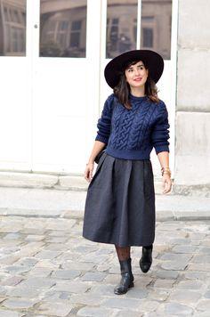 http://www.helloitsvalentine.fr/1124322/whoa-oh-oh-oh/ - Large aubergine hat H&M marine knitwear & midi skirt