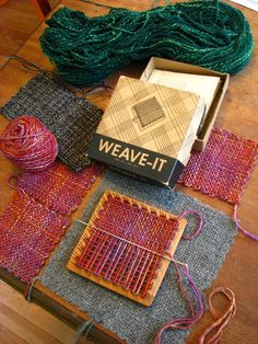 Vintage Weave-It loom uses warp and weft and one has to use a needle. Weaving Textiles, Weaving Patterns, Tapestry Weaving, Stitch Patterns, Knitting Patterns, Pin Weaving, Loom Weaving, Peg Loom, Weaving Projects