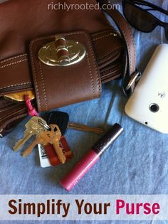 My purse used to be so cluttered! Now I like to keep the contents of my purse simple, with just a few essentials. This is a great post for decluttering your handbag!