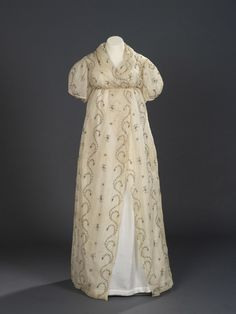 Evening dress or open robe, 1795-1800, Royal Ontario Museum