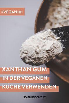 Was ist Xanthan Gum und wie du es in der veganen und glutenfreien Küche richtig verwendest! Meine Tipps und Tricks für das Kochen und Backen mit dem natürlichen Bindemittel. Muffins, Low Carb, Cupcakes, Rock, Vegetarian Diets, Vegan Biscuits, Gluten Free Recipes, Baked Goods, Pies