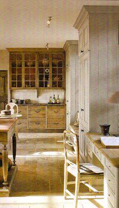Décor de Provence: The Perfect Belgian Kitchen