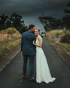 Hilo Hawaii Destination Wedding, photography by Joel and Justyna Bedford, destination wedding photographers based in Canada & Los Angeles California
