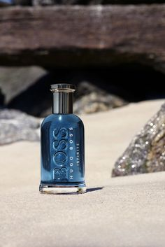 Hugo Boss Bottled Infinite is an energizing and sensual perfume that combines the freshness of citrus notes and the intensity of aromatic, woody notes. Perfume 212, Musk Perfume, Perfume Store, Perfume Scents, Perfume Oils, Perfume Bottles, Popular Perfumes, Best Fragrances, Jetta A4