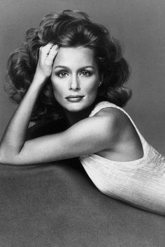 23 gorgeous vintage photos of the All-American beauty icon Lauren Hutton: