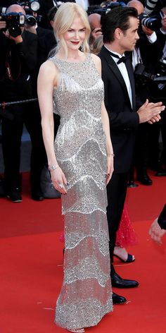 All the Celebrity Looks from the 2017 Cannes Film Festival Red Carpet - Nicole Kidman: The Oscar winner glimmered in a flapper-esque silver sequin Michael Kors Collection gown and matching jewelry at the premiere of her film The Beguiled. Nicole Kidman, Gypsy Fashion, Star Fashion, Fashion Show, Tokyo Fashion, Celebrity Gowns, Celebrity Look, Festival Mode, Festival Fashion