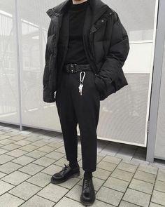 Love these casual mens fashion 16200 Best Mens Fashion, Look Fashion, Winter Fashion, Fashion Outfits, Mens Grunge Fashion, Black Aesthetic Fashion, Grunge Men, Urban Aesthetic, Fashion Shirts