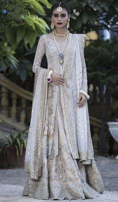 Pinterest: @pawank90 Pakistani Bridal Couture, Pakistani Wedding Dresses, White Wedding Dresses, Bridal Lehenga, Indian Dresses, Indian Outfits, Indian Couture, Beautiful Bridal Dresses, Beautiful Gowns
