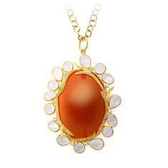 With the magical touch of Laurie Kaiser, carnelian has never looked so fab!